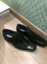 Продам новые туфли Steve Madden 42 размер