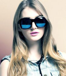 Красивые женские солнцезащитный очки