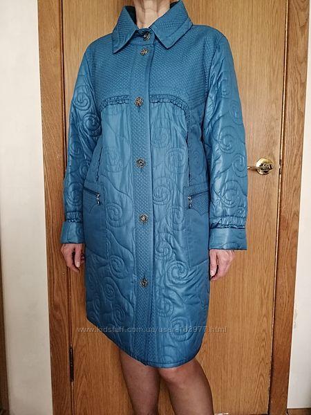 Стильное демисезонное пальто с оригинальной стежкой. Акция