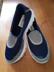 Стильные кроссовки слипоны