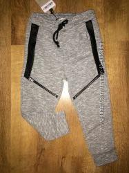Классные брюки-джоггеры со змейками Zara