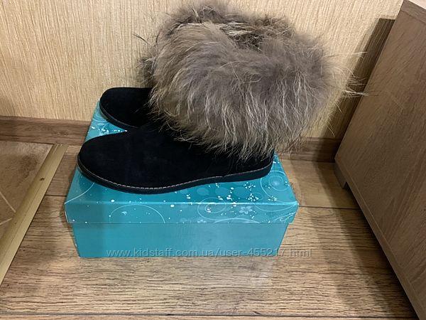 ботинки NINA ELLENKA замшевые 38 размер с опушкой