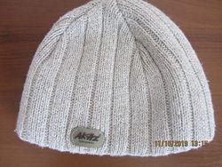 Теплая  зимняя шапка мальчику 9-13 лет