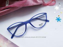 Стильные оправы- очки cateye. Изготовление- только качественная оптика