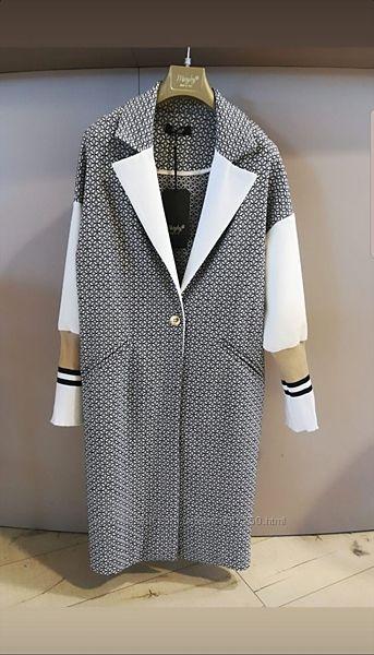 В наличии повседневный женский тренч, пальто. Maryley, Италия. Легкий.