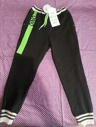 В наличии Спортивные брюки на мальчика Дино рост 110, 116