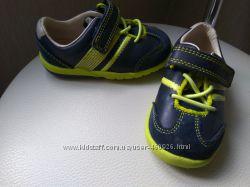 Полностью кожаные кроссовки Clarks 1 раз одеты aa25fa693ff60