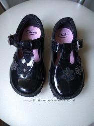 Кожаные туфли Clarks с мигалками, идеальное сост.