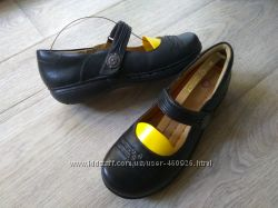 Полностью кожаные туфли Clarks Structured, 1раз одеты