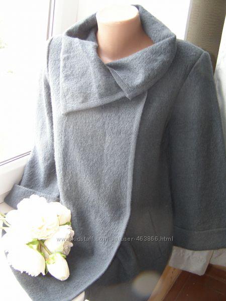 Paul Costelloe деми пальто 100 шерсть pure wool S-M-размер  Новое, без бир
