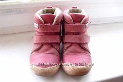 Продам ботиночки Shagovita на девочку 26 р. , по стельке 16 см.