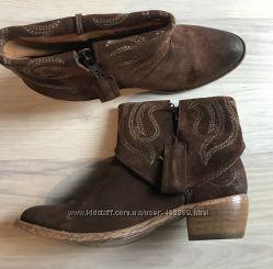 Стильные ботинки 38 р Stokton.  Натуральная кожа и замша