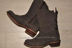 Ботинки козаки для девочки 30 размер BUGGY