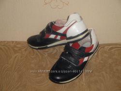 Детские кожаные кроссовки темно-синего цвета р34 фирма Tofino Турция.