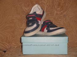 Детские новые кожаные кроссовки Chicco Италия оригинал 33р стелька 21см.