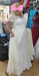 Продам шикарное свадебное платье батал58-60р
