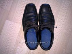 Продаются кожаные школьные туфли для мальчика 37р.