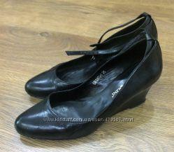 Туфли кожаные  Carlo Pazolini р-р 38