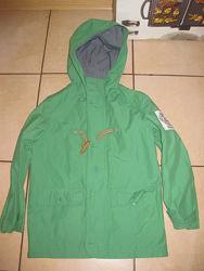 куртка ветровка на мальчика р 6-7-8 лет.