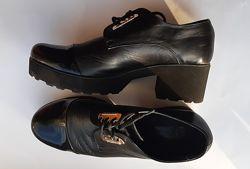 Кожаные туфли, полуботинки 40 р