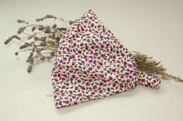 Косынка, бандана на голову для девочки -  фиолетовые цветы.