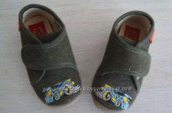 Новые тканевые мокасины-ботиночки Тачки