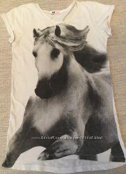 Футболка туника H&M с изображением лошадей