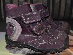 Продам зимние ботинки Primigi размер 24