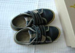 Кроссовки Бартек 29 размер