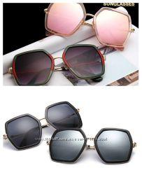 Крупные очки-стрекозы-пятиугольник с металлическими дужками