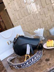 Dior  копия бренда  в наличии.