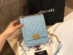 Женская сумка Chanel в наличии.