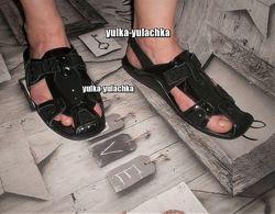 Мужские кожаные сандалии с закрытым носком