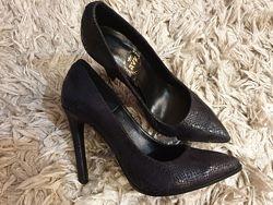 Стильные кожаные туфли-лодочки в ассортименте. Наличие