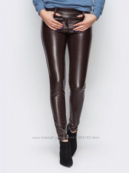 Легинсы-брюки полностью из эко-кожи.