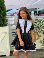 Нарядное школьное платье серое, черное и синее