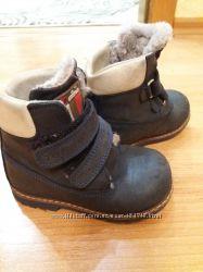 Продам зимние ботинки Woopy 24 р