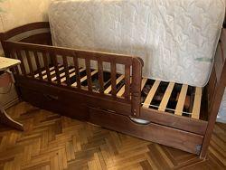 Кровать Карина деревянная с бортиками и матрасом
