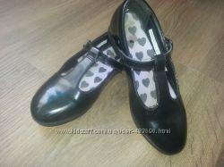 Лакированные туфли Clarks для девочки 30 размер