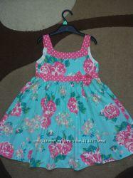 Легкое и очень красивое платье.