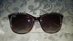 Очки солнцезащитные в стиле Диор со стразами