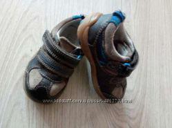 Кроссовки, туфельки, мокасины Clarks размер 20