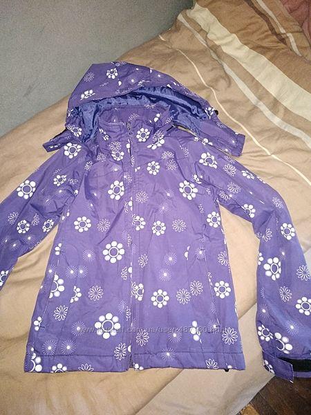 Куртка демисезонная на 6-8 лет