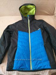 Продам в новом состоянии, фирменную Wedze, красивенную термо куртку, 12-15