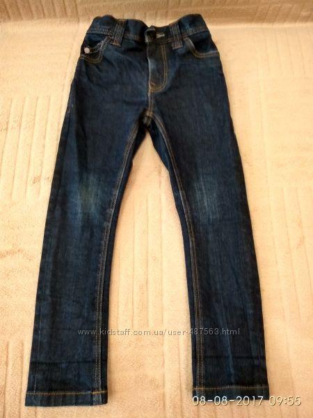 Продам фирменные , как новые джинсы скини узкачи некст на мальчика 10-12 ле