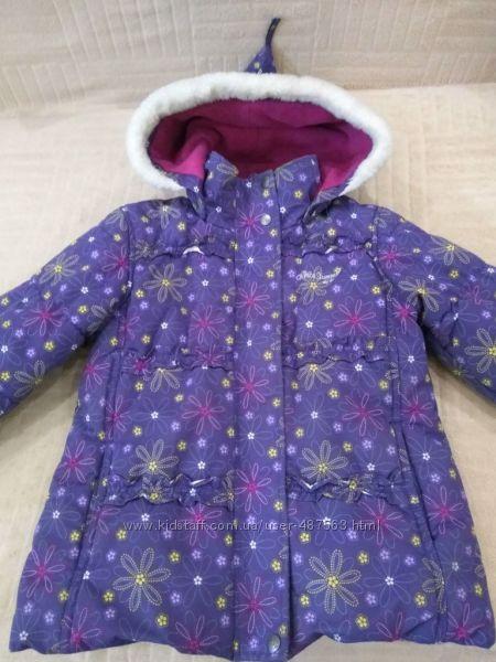 Продам в отличном состоянии, фирменную Gusti, зимнюю термо куртку 5-7 лет.