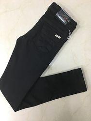 Стрейчевые черные джинсы в школу для девочек.