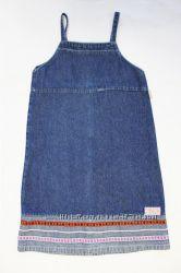 красивый джинсовый сарафан с вышивкой на девочку 1-3 класс