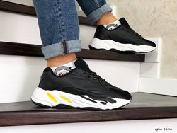 Кроссовки мужские Adidas Yeezy Boost 700 черные белым