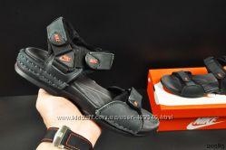 Сандалии кожаные Nike